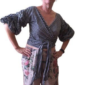 LIONESS sz xs wrap top slightly cropped black white gingham statement sleeve